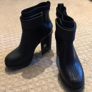 Shoes - Sores Rain or Winter Boots